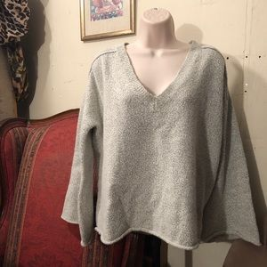 🖤🛎GRAY BELL SLEEVE RUBY MOON SWEATER